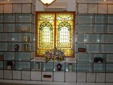 Glass Front Niche Room